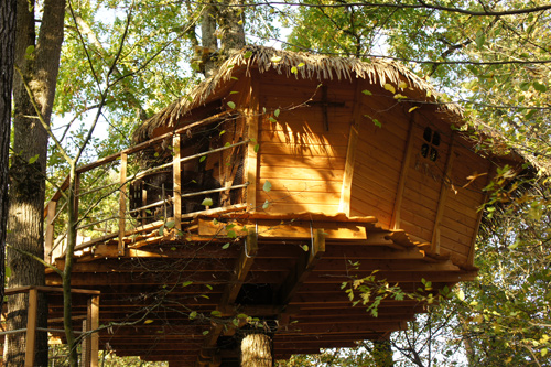 Squirrels tree house (3 to 5 pax) from 165 €
