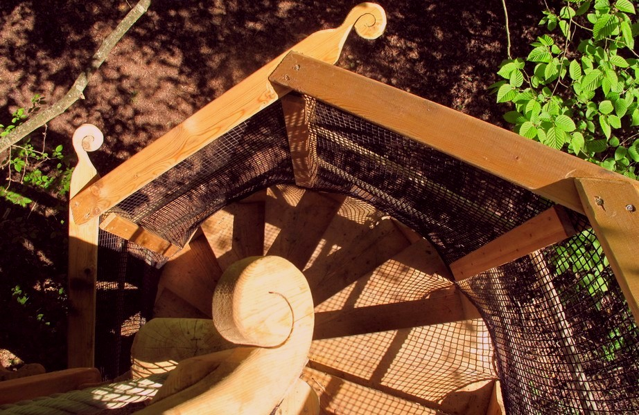 cabanes-arbre-escalier