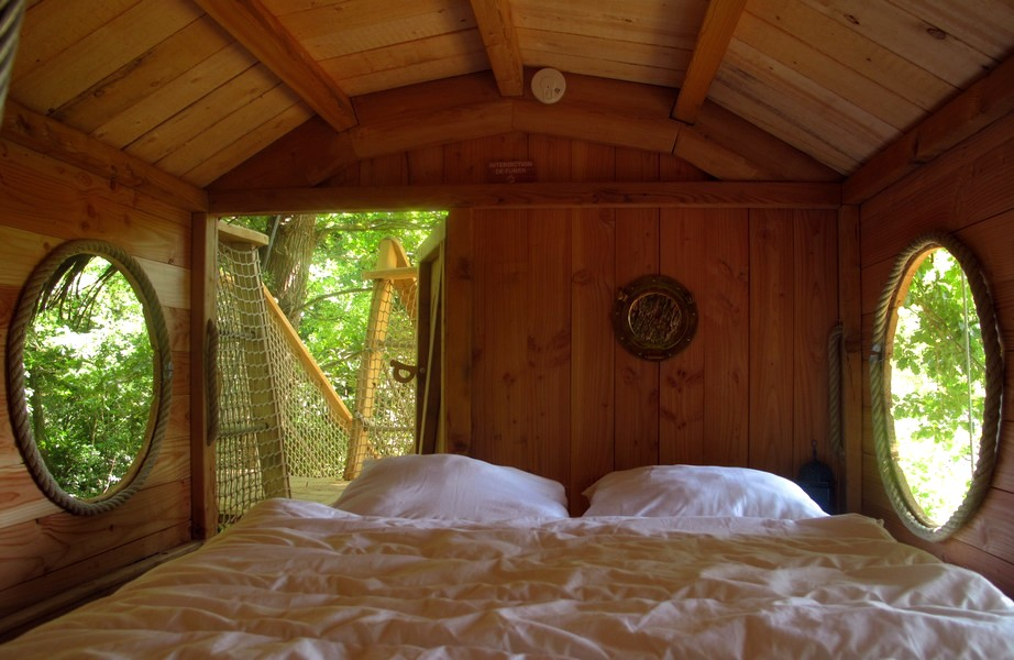 the pirate tree house a tree house for the whole family. Black Bedroom Furniture Sets. Home Design Ideas